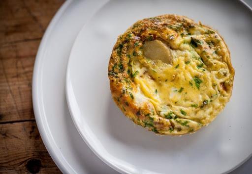 Trứng ốp lết kiểu Tây Ban Nha đậm đà hương vị